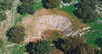 ΑΡΧΑΙΟ-ΘΕΑΤΡΟ-ΟΙΝΙΑΔΩΝ