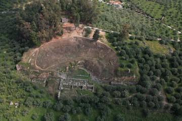Αεροφωτογραφία του αρχαίου θεάτρου της Σπάρτης