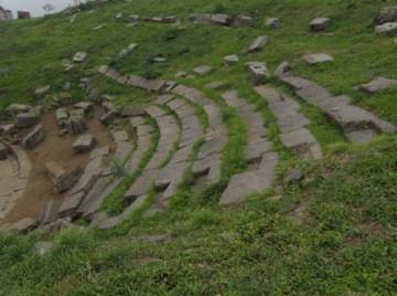 θέατρο-Φθιωτίδων-Θηβών-.-Γενική-άποψη-του-κοίλου-του-κάτω-θεάτρου