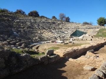 Το αρχαίο θέατρο της Αιγείρας