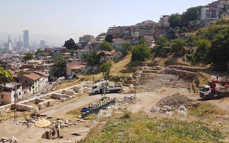Chantier de fouilles du théâtre antique de Smyrne/Izmir ©Nathalie Ritzmann