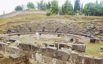 Το ελληνιστικό θέατρο του Ορχομενού, που αποκαλύφθηκε μόλις τη δεκαετία του '70.