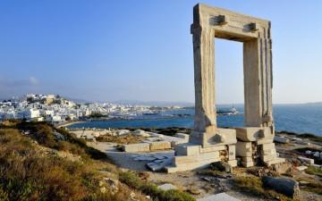 Temple of Apollo (Portara) on the islet of Palatia in Chora, Naxos