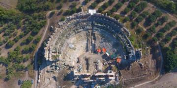 Το Ρωμαϊκο θέατρο της Νικόπολης, ολοκληρώθηκε στο μεγαλύτερο μέρος η ανασκαφή στο εσωτερικό του μνημείου παρέχοντας πολύτιμα στοιχεία για την κατασκευή και χρήση του χώρου ανά τους αιώνες