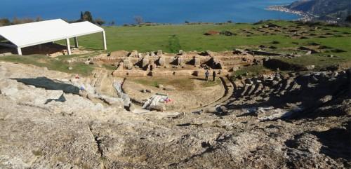 Το αρχαίο θέατρο της Αιγείρας (2013)
