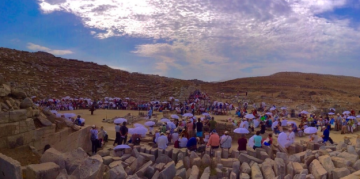 Regular and Corporate DIAZOMA members visit the Ancient Theatre of Delos (September 2019)