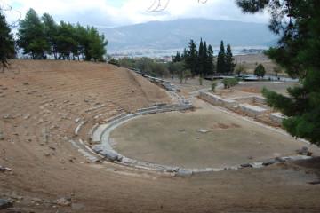 Το κοίλο του αρχαίου θεάτρου μετά τις εργασίες συντήρησης.