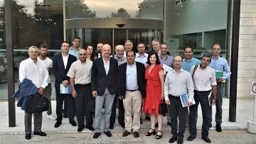 Αναμνηστική φωτογραφία με τους συμμετέχοντες στη συνάντηση
