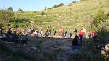 Η ομάδα «Εν δράσει» ανέλαβε δράση στο αρχαίο θέατρο Φθιωτίδων Θηβών (07-05-2012).