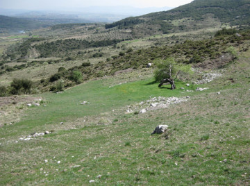 Άποψη από το χώρο, όπου βρίσκεται το αρχαίο θέατρο της Άσκρης. Η Κοιλάδα των Μουσών.