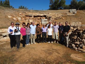 Εικόνα από την επίσκεψη στο αρχαίο θέατρο της Απτέρας