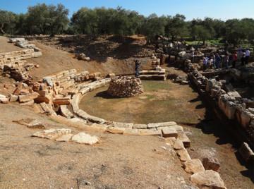 Συνολική άποψη του αρχαίου θεάτρου της Απτέρας