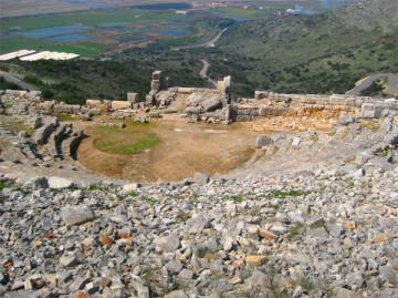 Το θέατρο Πλευρώνας.