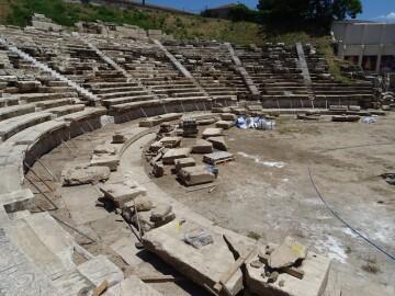 Πηγή:  Ιστότοπος Αρχαίου Θεάτρου Λάρισας
