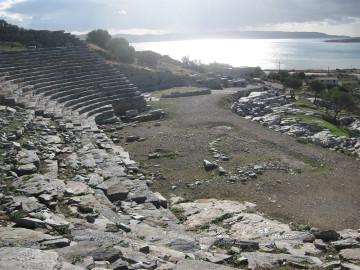 Το αρχαίο θέατρο Θορικού